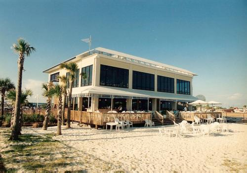 commercial-architecture-pensacola-beach-florida-chans-gulfside-06
