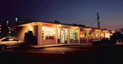 commercial-architecture-pensacola-beach-florida-chans-market-cafe-04