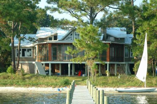 sustainable-architecture-pensacola-florida-10925-seaglade-02